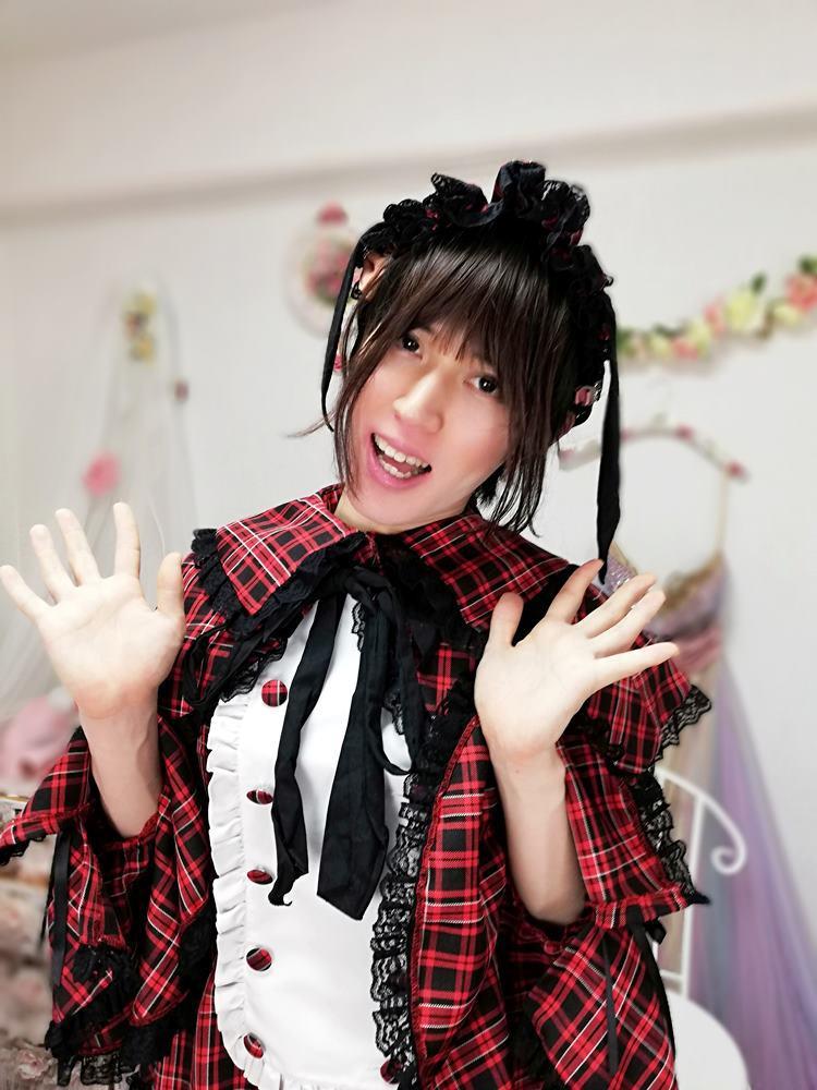 新大阪の女装サロン「ひめべや」のお客様の写真です。あかりさんのロリィタ服です。