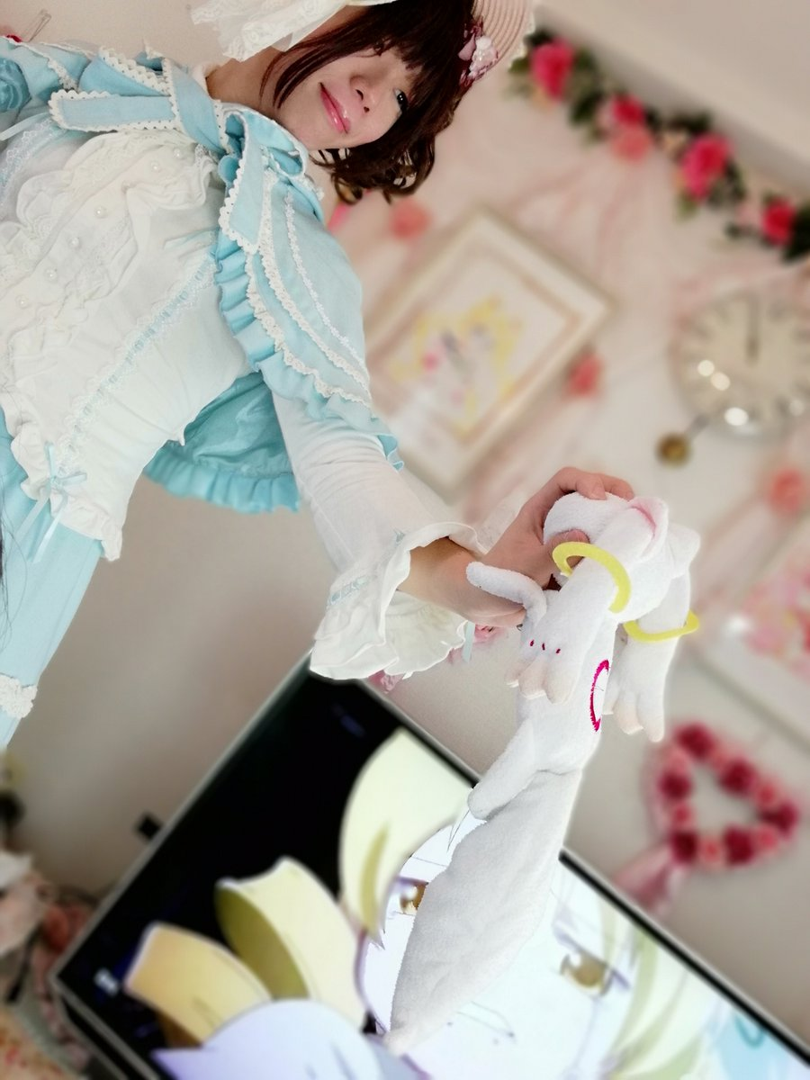新大阪の女装サロン「ひめべや」のお客様の写真です。ハルミヤさんのロリィタ服です。