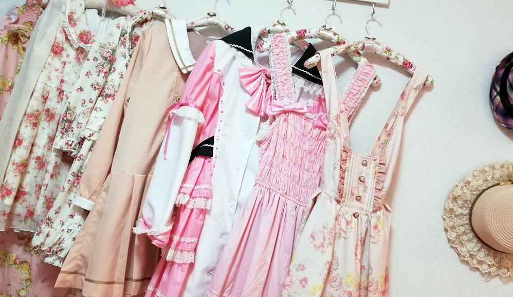 女装サロンひめべやには、カワイイお洋服がいっぱい!リズリサやaxes femee、ロリィタ服、コスプレ衣装などいっぱいあるよ☆
