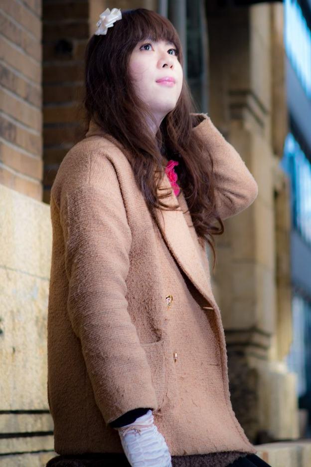 ブラウンコート。新大阪の女装サロン「ひめべや」の衣装です。「ひめべや」はあなたの「女の子になりたい」を叶えるサロンです。