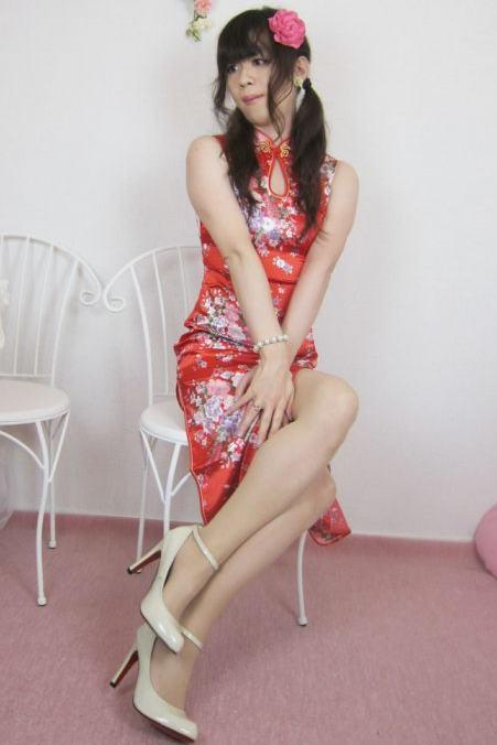 チャイナドレス。新大阪の女装サロン「ひめべや」の衣装です。「ひめべや」はあなたの「女の子になりたい」を叶えるサロンです。