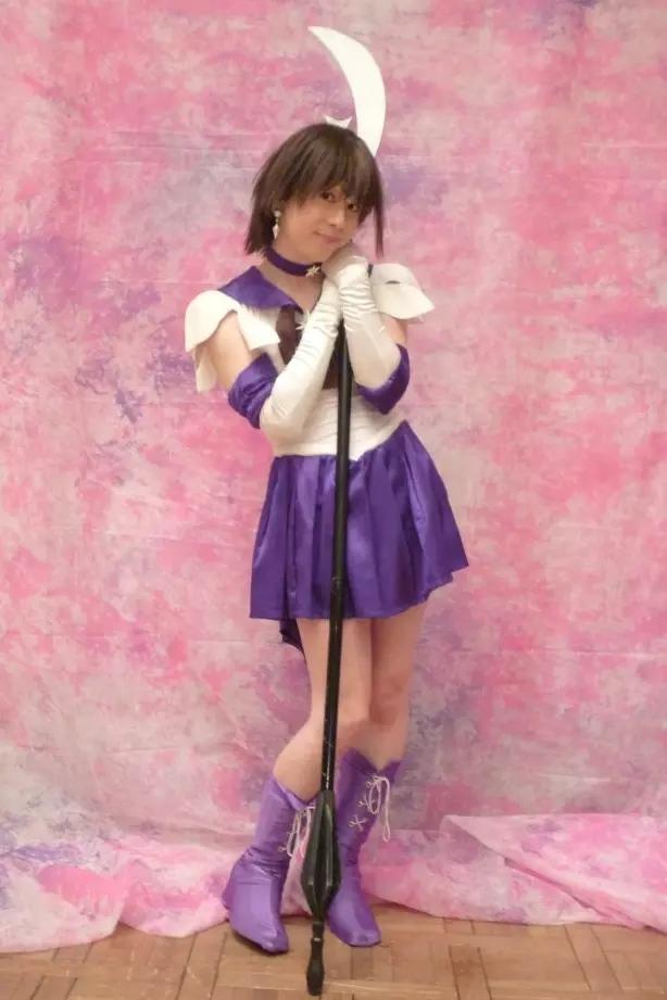セーラーサターン。新大阪の女装サロン「ひめべや」の衣装です。「ひめべや」はあなたの「女の子になりたい」を叶えるサロンです。