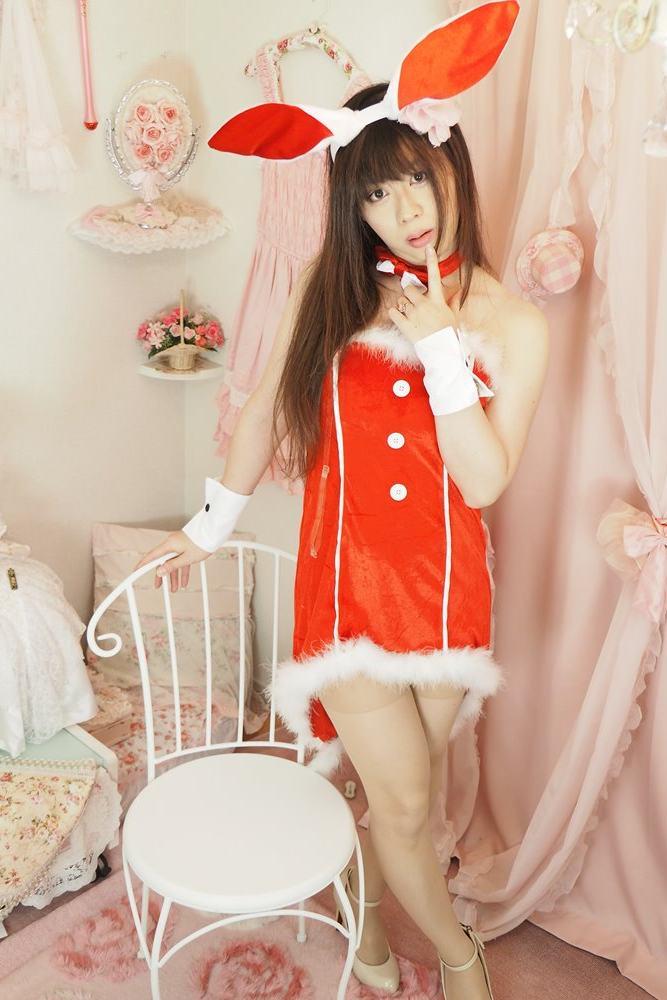バニーサンタ。新大阪の女装サロン「ひめべや」の衣装です。「ひめべや」はあなたの「女の子になりたい」を叶えるサロンです。
