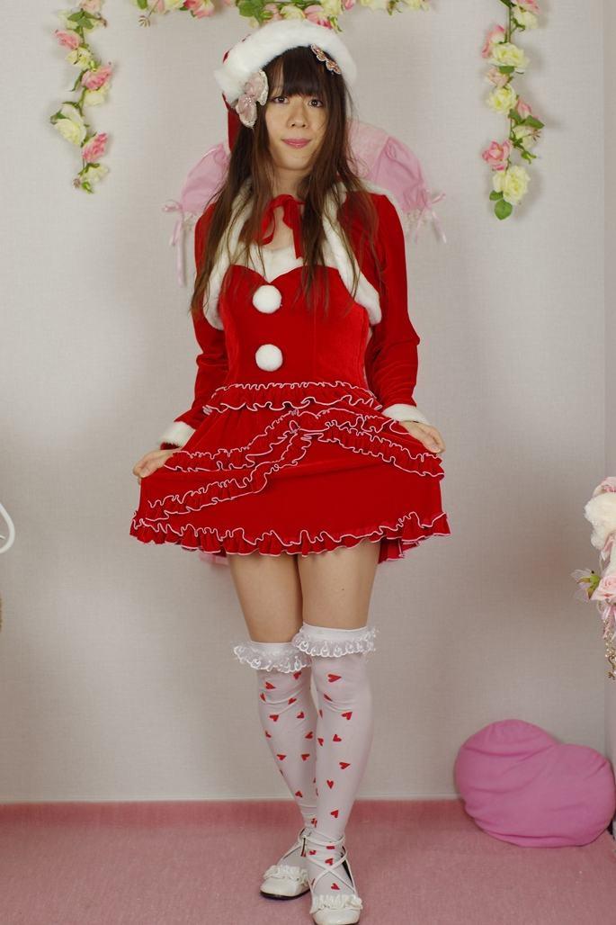 ミニスカサンタ。新大阪の女装サロン「ひめべや」の衣装です。「ひめべや」はあなたの「女の子になりたい」を叶えるサロンです。