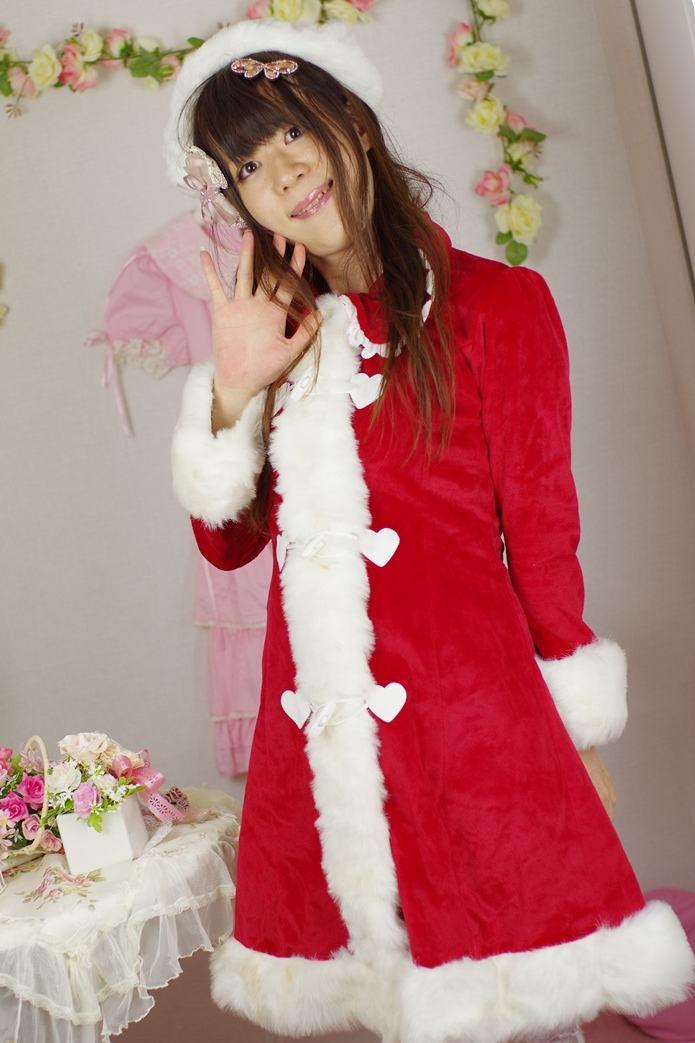 ふわもこサンタ。新大阪の女装サロン「ひめべや」の衣装です。「ひめべや」はあなたの「女の子になりたい」を叶えるサロンです。