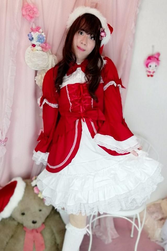 赤白ロリ。新大阪の女装サロン「ひめべや」の衣装です。「ひめべや」はあなたの「女の子になりたい」を叶えるサロンです。