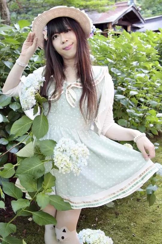 緑セーラー。新大阪の女装サロン「ひめべや」の衣装です。「ひめべや」はあなたの「女の子になりたい」を叶えるサロンです。