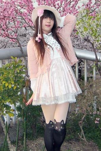 リズリサ薄ピンク。新大阪の女装サロン「ひめべや」の衣装です。「ひめべや」はあなたの「女の子になりたい」を叶えるサロンです。