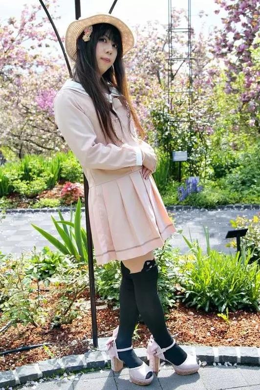ピンクセーラー。新大阪の女装サロン「ひめべや」の衣装です。「ひめべや」はあなたの「女の子になりたい」を叶えるサロンです。