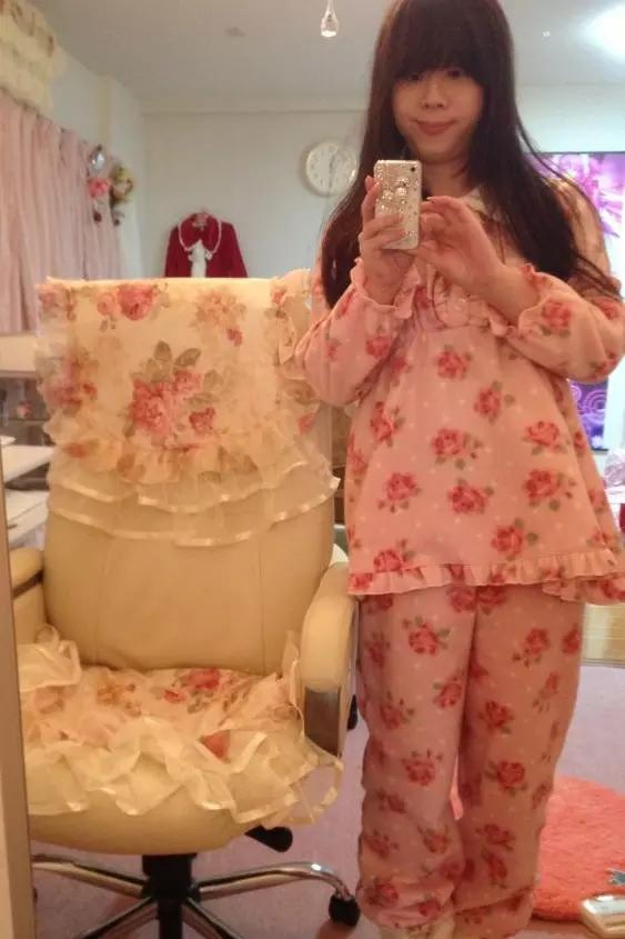 花柄パジャマ。新大阪の女装サロン「ひめべや」の衣装です。「ひめべや」はあなたの「女の子になりたい」を叶えるサロンです。