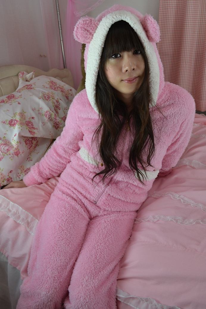 くまみみパジャマ。新大阪の女装サロン「ひめべや」の衣装です。「ひめべや」はあなたの「女の子になりたい」を叶えるサロンです。