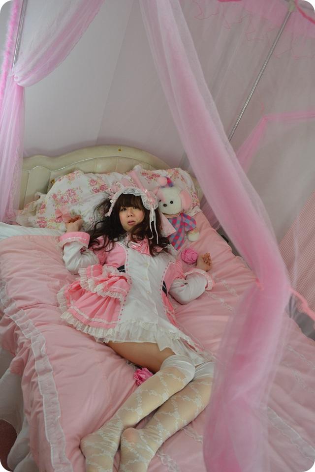 新大阪の女装サロン「ひめべや」の天蓋ベッド。新大阪の女装サロン「ひめべや」はあなたの「女の子になりたい」を叶えるサロンです。