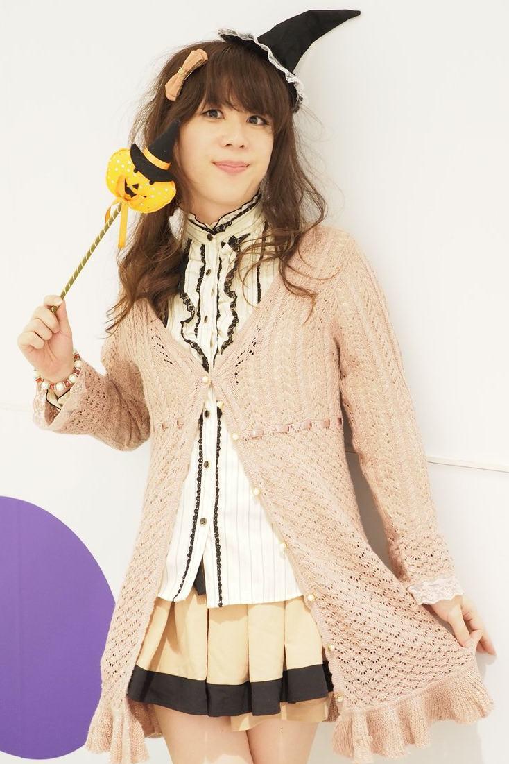 axesコーデ。新大阪の女装サロン「ひめべや」の衣装です。「ひめべや」はあなたの「女の子になりたい」を叶えるサロンです。