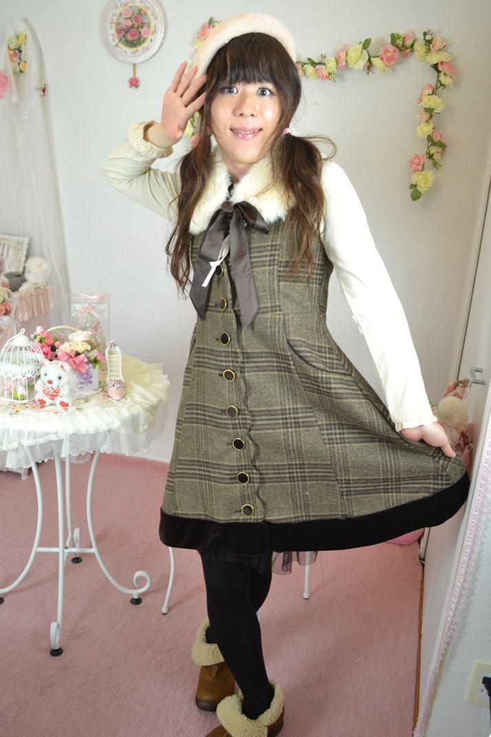 axesジャンスカ。新大阪の女装サロン「ひめべや」の衣装です。「ひめべや」はあなたの「女の子になりたい」を叶えるサロンです。
