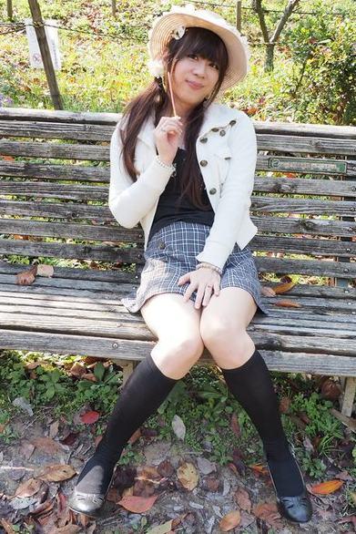 黒とチェック。新大阪の女装サロン「ひめべや」の衣装です。「ひめべや」はあなたの「女の子になりたい」を叶えるサロンです。