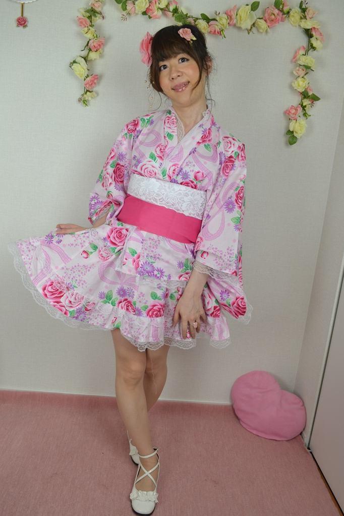 浴衣ドレス.yukata。新大阪の女装サロン「ひめべや」の衣装です。「ひめべや」はあなたの「女の子になりたい」を叶えるサロンです。