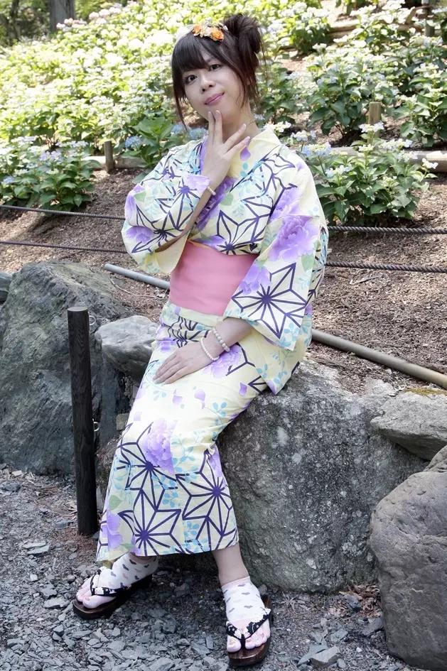 浴衣・薄紫.yukata。新大阪の女装サロン「ひめべや」の衣装です。「ひめべや」はあなたの「女の子になりたい」を叶えるサロンです。