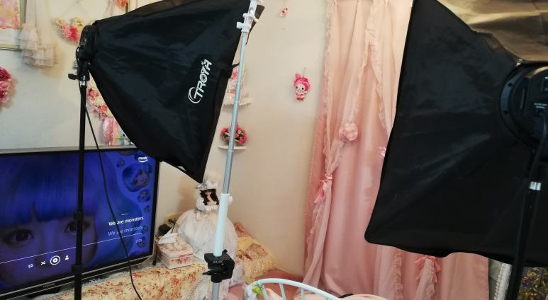 新大阪の女装サロンひめべや。撮影プランの場合、お着替えが終わったら、いよいよ撮影タイム